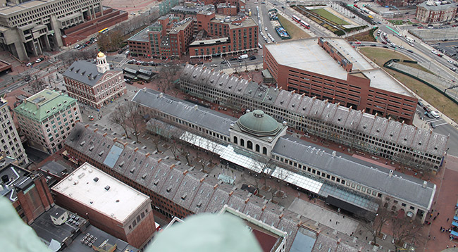 Foto aerea del Mercado Faneuil Hall en Boston