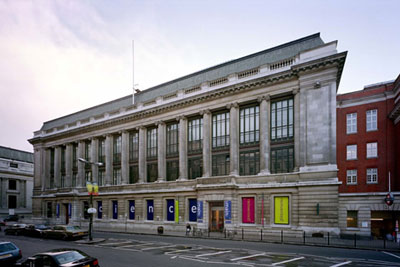 Fachada del Museo de Ciencias de Londres (Science Museum London)